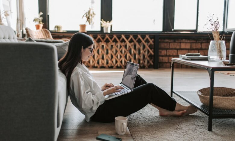 Photo of 10 tips from CEOs for working from home effectively and happily